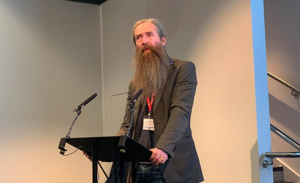 Aubrey de Grey speaking at Longevity Investor event